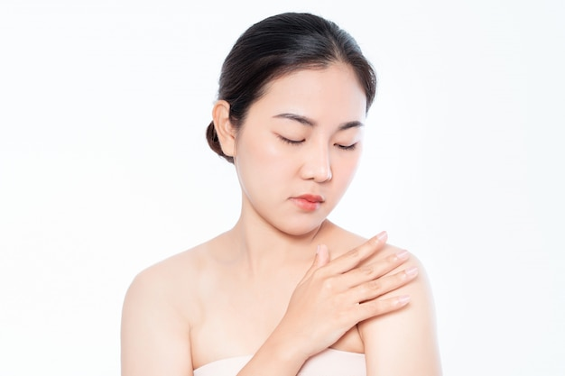 Piękna kobieta azji i ma urok białej skóry Premium Zdjęcia