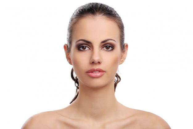 Piękna Kobieta Na Białym Tle Darmowe Zdjęcia