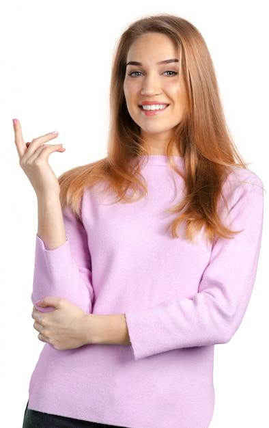 Piękna kobieta na bielu Premium Zdjęcia