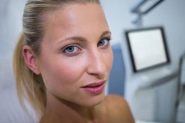 Piękna Kobieta W Klinice Darmowe Zdjęcia