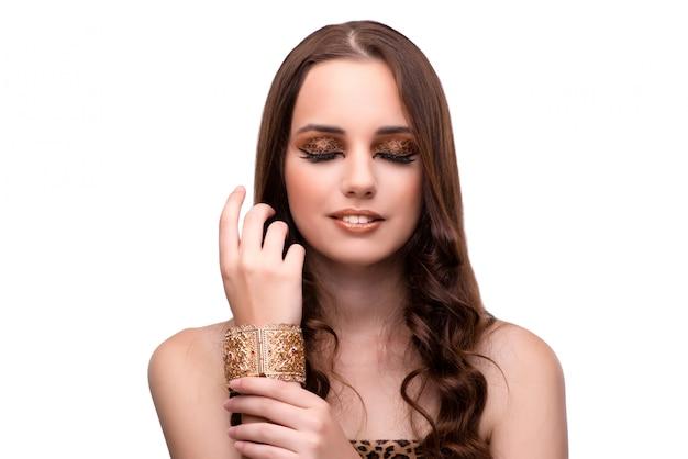 Piękna kobieta w mody pojęciu odizolowywającym na bielu Premium Zdjęcia