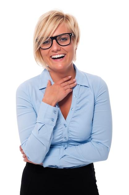 Piękna Kobieta W Okularach Moda, śmiejąc Się Darmowe Zdjęcia