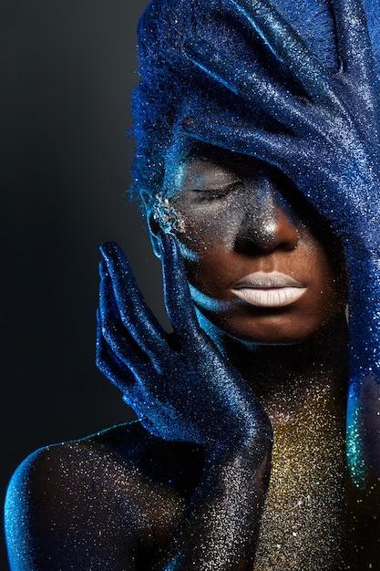 Piękna kobieta z bodyart Darmowe Zdjęcia