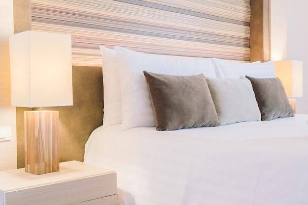 Piękna luksusowa sypialnia hotelu Darmowe Zdjęcia