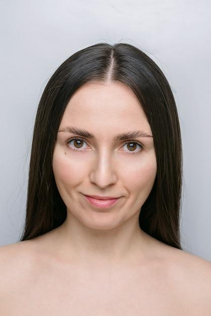 Piękna Młoda Kobieta Premium Zdjęcia