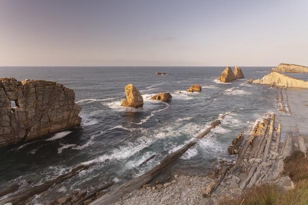 Piękna Zatoka Costa Quebrada, Kantabria, Hiszpania Darmowe Zdjęcia