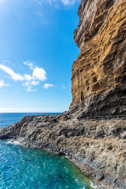 Piękna Zatoka W Puerto De Puntagorda, Wyspa La Palma, Wyspy Kanaryjskie. Hiszpania Premium Zdjęcia