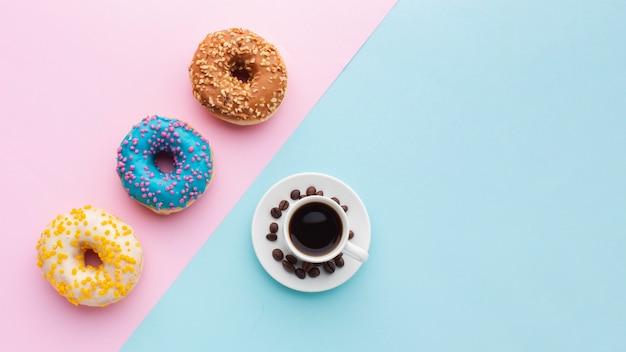 Piękne Pączki I Miejsce Do Kopiowania Kawy Darmowe Zdjęcia