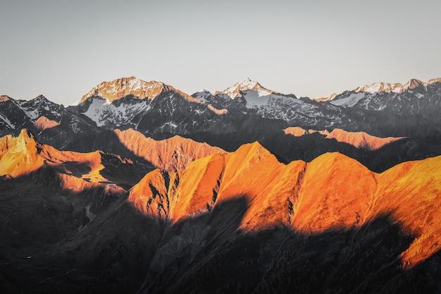Piękne Pasmo Górskie Darmowe Zdjęcia