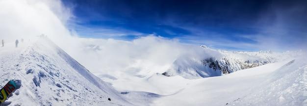 Piękne Zaśnieżone Wzgórza Darmowe Zdjęcia