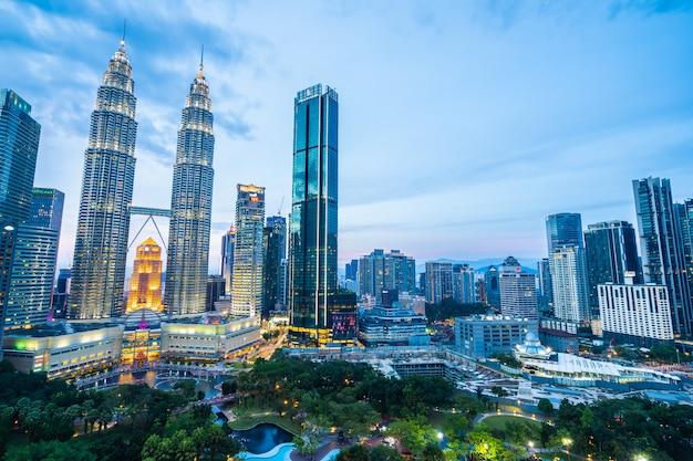 Pięknej Architektury Budynku Zewnętrzny Miasto W Kuala Lumpur Linii Horyzontu Darmowe Zdjęcia
