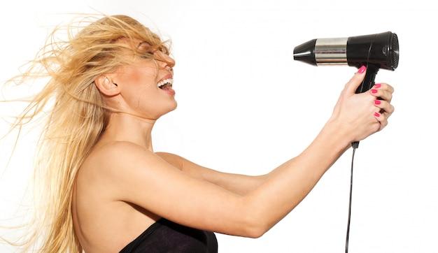 Piękny Blond Z Fruwającymi Włosami Darmowe Zdjęcia