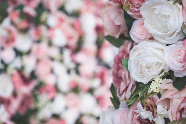 Piękny bukiet kwiatów z miejsca kopiowania w tle Premium Zdjęcia