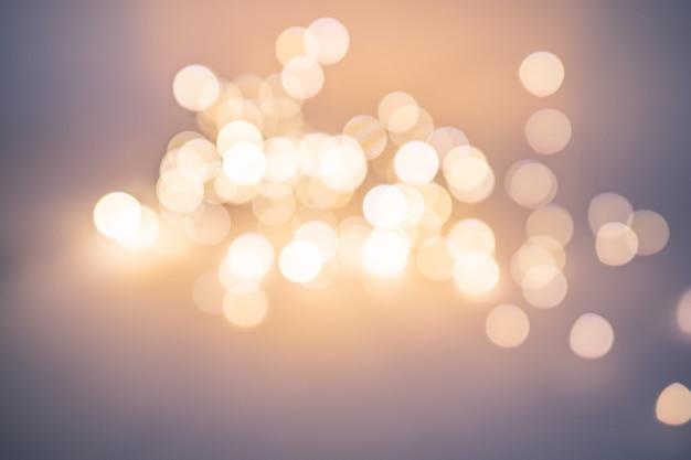Piękny Niewyraźny Bokeh, Dużo Jasnych Artystycznie Rozmytych Kół. Boże Narodzenie Premium Zdjęcia