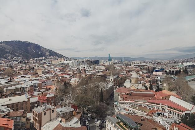 Piękny punkt widzenia miasta tbilisi, gruzja Premium Zdjęcia