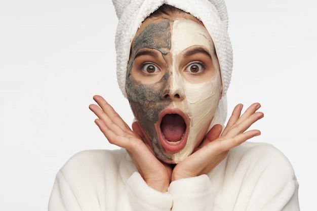 Pielęgnacja Twarzy Kobiety, Maski I Portret Premium Zdjęcia