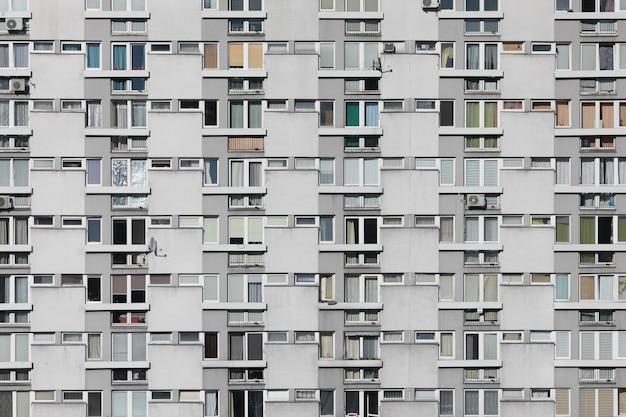 Pień Fotografia Elewacji Nowoczesnego Budynku Mieszkalnego Lub Hotelu Darmowe Zdjęcia