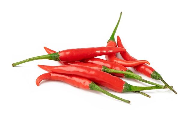 Pieprz Lub Chili Na Białym Tle. Premium Zdjęcia