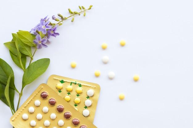 Pigułki Antykoncepcyjne Kobiety Nie Chcą Mieć Dziecka Premium Zdjęcia