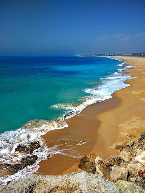 Pionowe Ujęcie Plaży Estrecho Natural Park W Tarifie W Hiszpanii Darmowe Zdjęcia