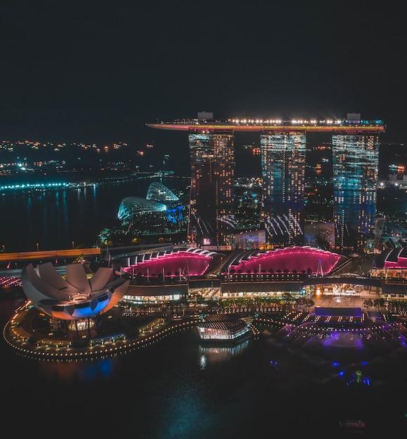 Pionowo Odległy Strzał Singapur Marina Zatoki Piaski Podczas Nocy W Singapur Darmowe Zdjęcia