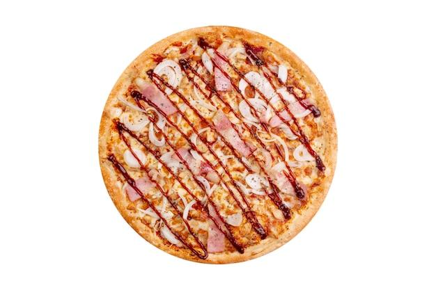 Pizza odizolowywająca na białym tle. gorące fast foody Premium Zdjęcia