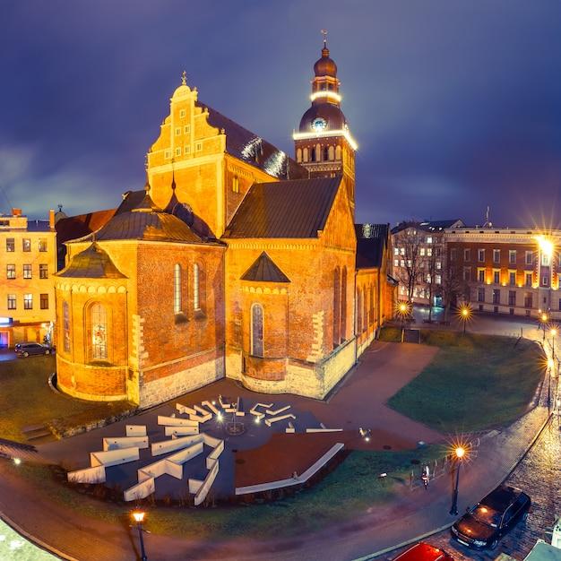 Plac Katedralny W Rydze, łotwa Premium Zdjęcia