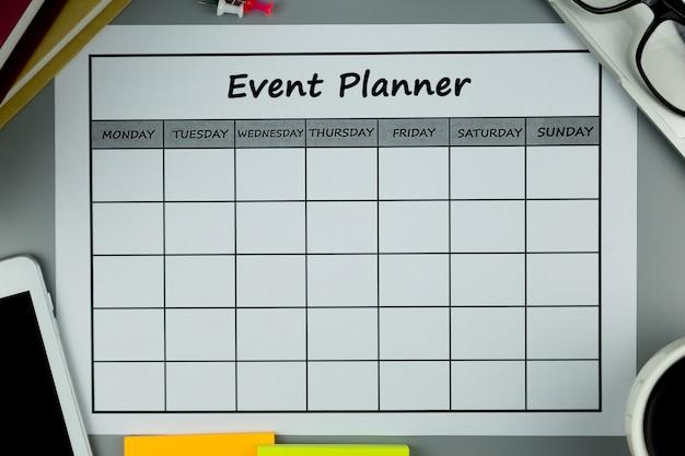 Plan wydarzeń co miesiąc prowadzimy działalność lub zajęcia. Premium Zdjęcia
