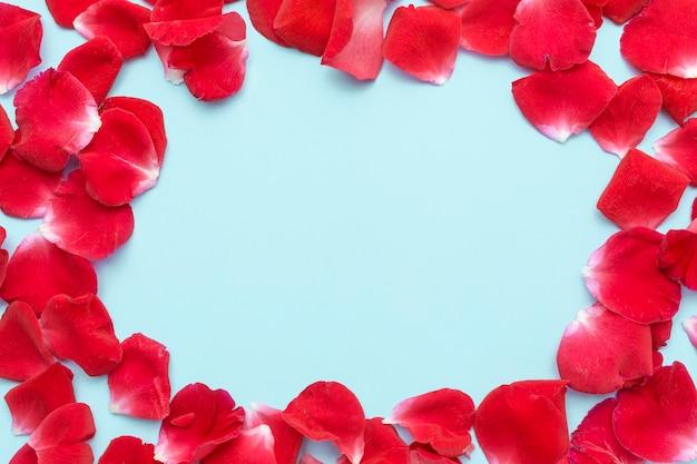 Płaska Rama Płatków Róż Lodowych Premium Zdjęcia