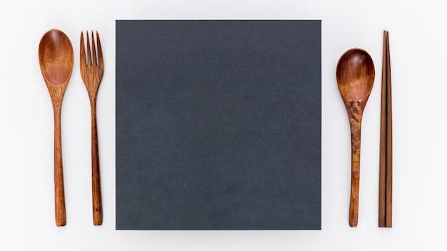 Płaski Układ Pustego Papieru Menu Z Drewnianymi Sztućcami Darmowe Zdjęcia