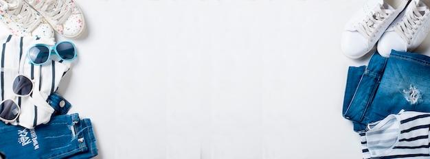 Płaski Zestaw Kobiecy W Stylu Marynistycznym Dla Matki I Córki Premium Zdjęcia