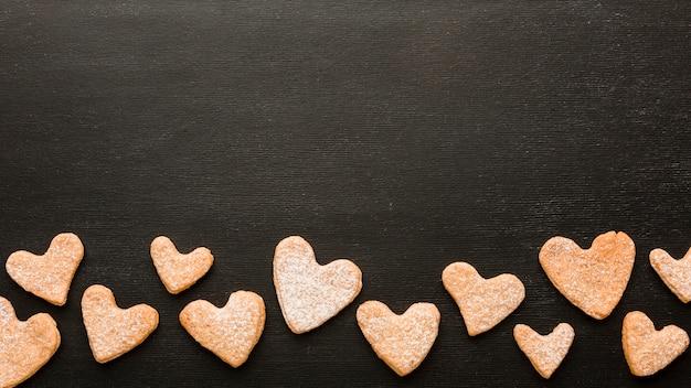 Płaskie Ukształtowanie Ciasteczek Na Walentynki Darmowe Zdjęcia