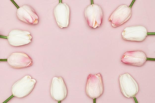 Płaskie Ukształtowanie Ramki Tulipanów Na Dzień Matki Darmowe Zdjęcia