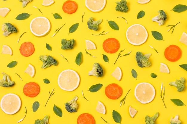 Płasko Ułożone Pyszne Dojrzałe Owoce Tworzą Kompozycję Darmowe Zdjęcia