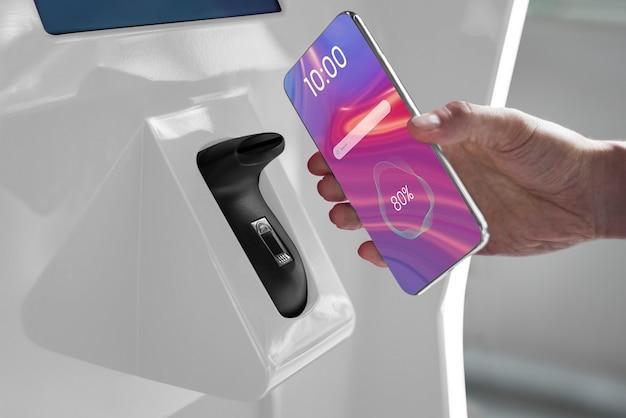 Płatności Zbliżeniowe I Bezgotówkowe Smartfonem W Sklepie Spożywczym Darmowe Zdjęcia