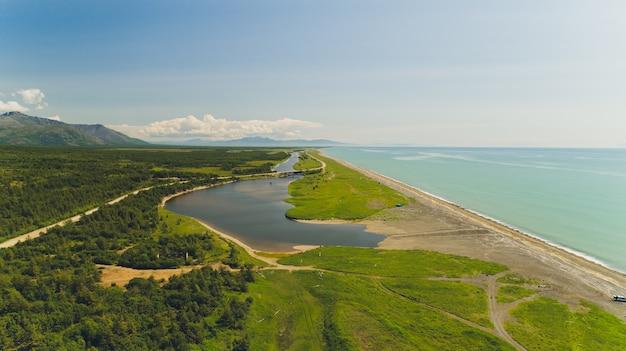 Plaża Morza Ochockiego. Premium Zdjęcia
