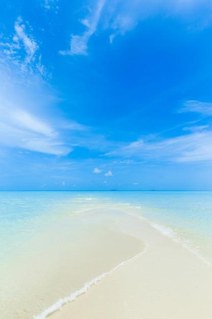 Plaża Na Malediwach Premium Zdjęcia