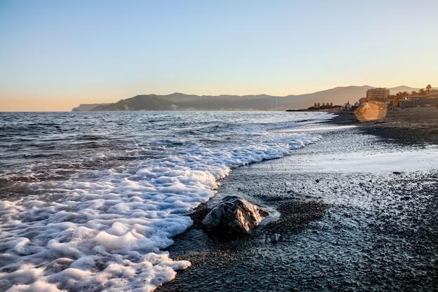 Plaża Przy Zmierzchem W Savona, Włochy Darmowe Zdjęcia
