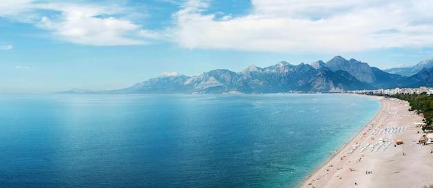 Plaża w antalyi Premium Zdjęcia