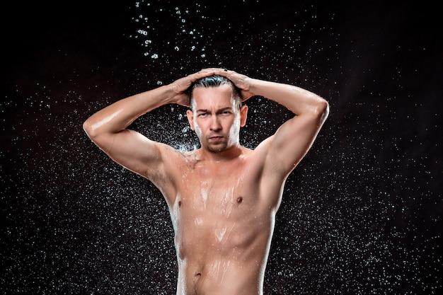 Plusk Wody Na Męskiej Twarzy Darmowe Zdjęcia