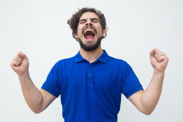 Podekscytowany Szczęściarz Krzyczy Z Radości Darmowe Zdjęcia