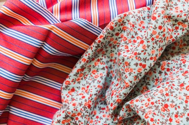 Podniesiony widok tkaniny bawełnianej i paski wzór włókienniczych Darmowe Zdjęcia
