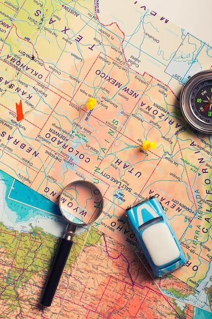 Podróż Samochodem Na Wakacje. Mapa Z Punktami Premium Zdjęcia