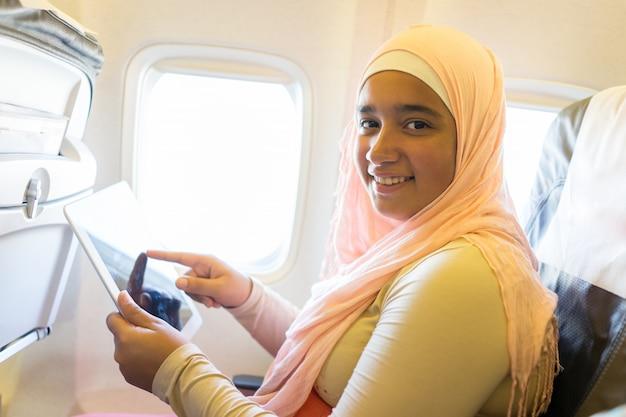 Podróżniczka muzułmańska Premium Zdjęcia