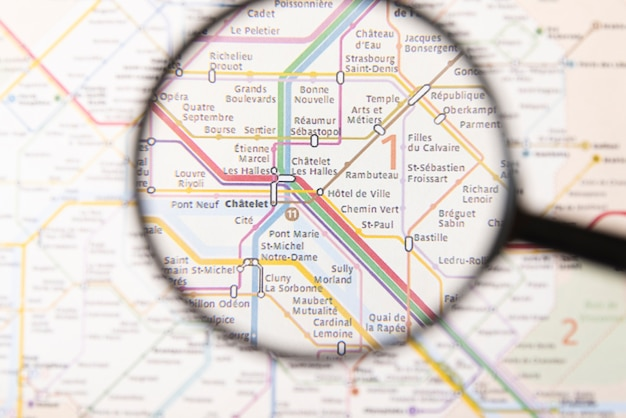 Pogrubiony Czat Stacji Metra W Paryżu Darmowe Zdjęcia