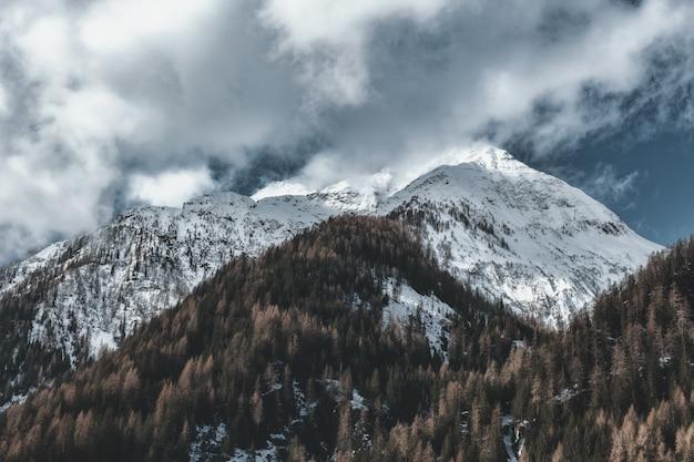 Pokryty Lodem Szczyt Górski Darmowe Zdjęcia