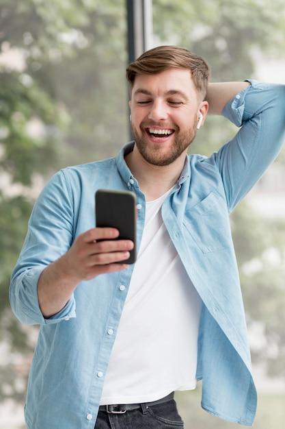Połączenie Wideo Na Telefonie Komórkowym Darmowe Zdjęcia