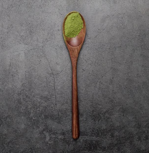 Połóż Płasko Proszek Herbaty Matcha W Drewnianej łyżce Darmowe Zdjęcia