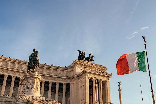 Pomnik Vittorio Emanuele Ii, Altare Della Patria, Na Placu Wenecji W Rzymie, Włochy. Premium Zdjęcia