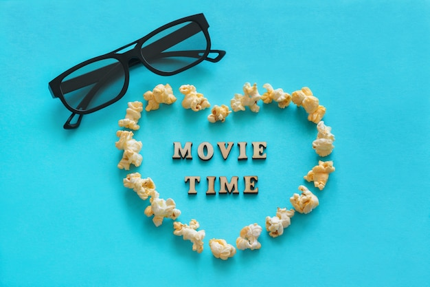 Popcorn W Kształcie Serca, Okulary 3d, Tekst Premium Zdjęcia
